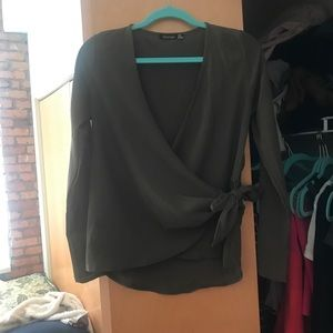 GREEN BLOUSE WITH TIE